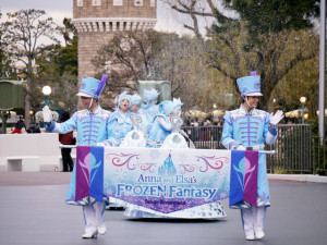 2015021901_disney_frozenfantasy_dancer